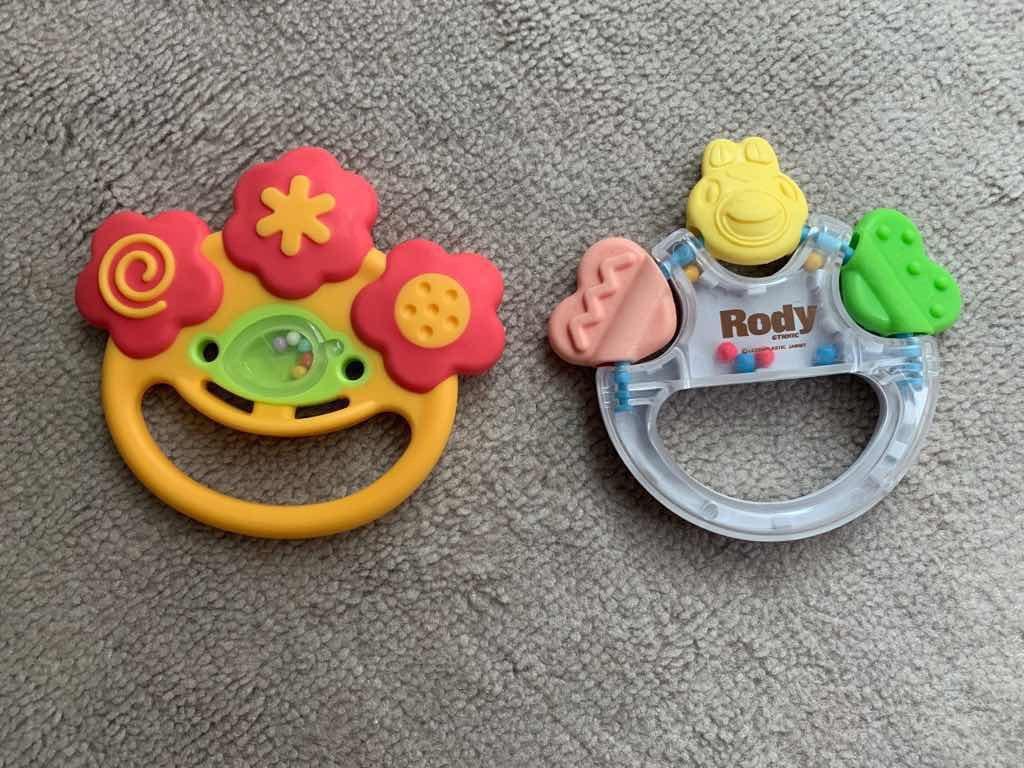 乳児用の歯固め2種類