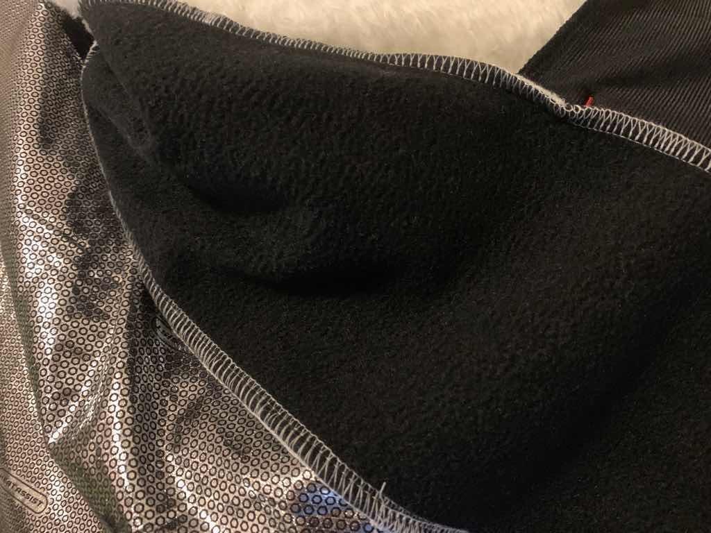 ワークマン ダイヤフリース裏アルミジャケットのわきの下は裏起毛